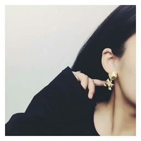 Chanel Golden ear clip of square bow bow earrings gold dangle