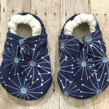 Dandelion Booties, Blue Booties, Blue Moccs, Blue Moccassins, Blue Crib Shoes, Blue Cloth Shoes, Blue Elastic Baby Shoes, Blue Infant Shoes