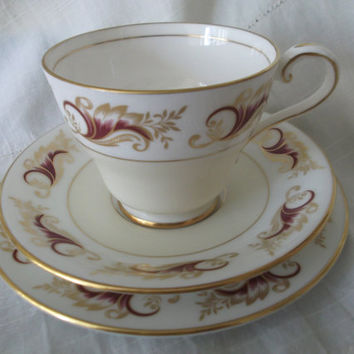 Aynsley tea cup, saucer and plate. Ideal for vintage wedding, tea shop or display