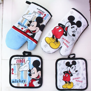 Mickey Mouse Microwave Glove and White 100% Cotton Oven Mitts and Potholder mat for BBQ or Kitchen