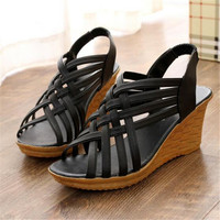 Women 's shoes spring and summer soft bottom Mama shoes comfortable middle - aged shoes thick bottom with slope sandals  XL09
