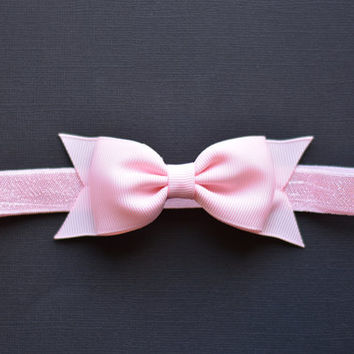 Pearl Pink Bow Headband. Light Pink Baby Headband. Pink Bow Headband. Baby Hair Accessories. Girls Hair Accessories. Light Pink Hair Bow