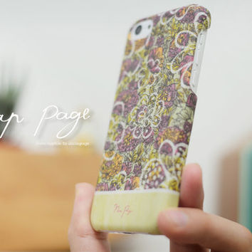 Apple iphone case for iphone iphone 5 iphone 5s iphone 5c iphone 4 iphone 4s iPhone 3Gs : vintage colorful flowers with wood (not real wood)