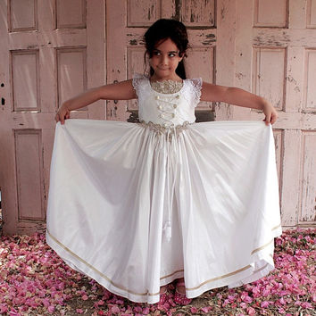 Astonishing Princess Dress for Girls in Royal Victorian Style