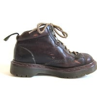 vintage brown leather heavy duty chunky Air Wair Doc Martens ankle boots // size UK 5 / US 7