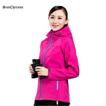 Spring Autumn Soft Shell Women Outdoor Jacket With Hood Breathable Sport Women Coat
