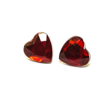 Daimond shaped Red heart ear studs