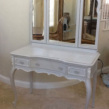 Antique Victorian Mahogany vanity with mirror