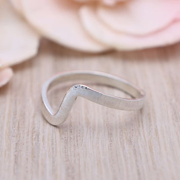 925 sterling silver texture wave stackable hammered ring