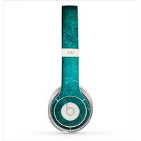 The Grunge Green Textured Surface Skin for the Beats by Dre Solo 2 Headphones