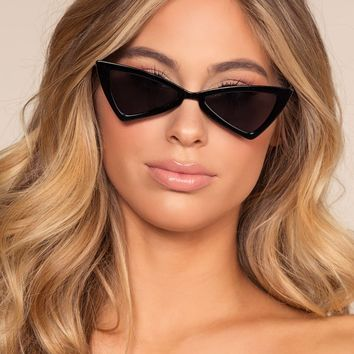 Chic Me Out Sunglasses - Black
