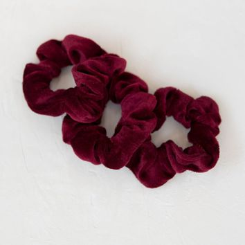 Velvet Scrunchies Set Of 3 - Red