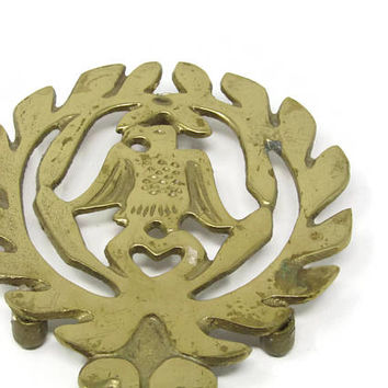 Vintage brass trivet eagle and laurel leaves Brass pot holder Vintage kitchen