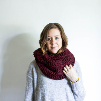 Infinity Winter Scarf Chunky Knitted Loop Cowl | THE KNOBOAK | Wine
