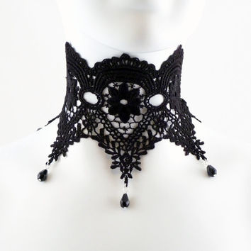 Gothic Choker Black Lace in a Floral Victorian Design - Burlesque, Goth, Sexy, Romantic, Jewelry, Necklace, Chocker