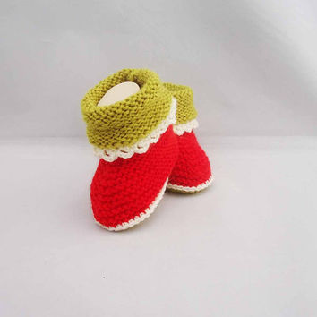 Baby Booties, Cute Baby Booties, Wool and Acrylic Baby Booties, 0-6 months, Red and Olive Green Booties
