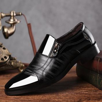 new Newly Men's Quality Patent Leather Shoes Zapatos de hombre Size Black Leather Soft Man Dress Shoes Man Flat Classic Oxford