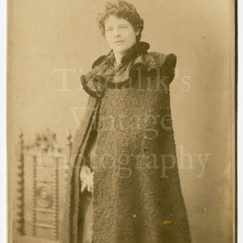 Cabinet Card Photo - Portrait Caped Young Pretty Victorian Woman - Boughton of Lowestoft and Thetford England