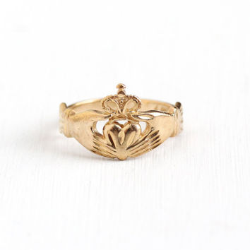 Estate 14k Rosy Yellow Gold Claddagh Irish Ring - Vintage 1980s Size 6 3/4 Hands Holding Heart with Crown Wedding Band Symbolic Fine Jewelry