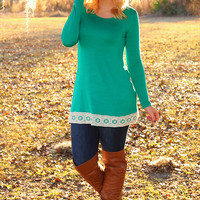 Sweet As Can Be Top: Kelly Green/Ivory