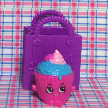 Shopkins Season 2 CUPCAKE CHIC Pink Blue BAKERY Moose Toys Shopkin Series two