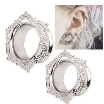 ac DCCKO2Q 1 Piece New Women Men Flower Flared Flesh Tunnel Ear Plugs Copper Ear Expander Gauge Body Piercing Jewelry Orelha Cartilagem