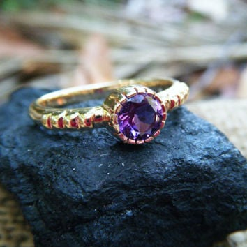 Imperial Amethyst, Vivid Pink Purple Amethyst Ring in Solid Gold, Radiant Orchid - the Color of 2014!