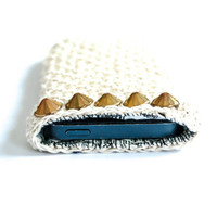 Crocheted Iphone 5 cozy, white Iphone 5s case, crochet iphone 5 cover, Iphone 5s sleeve, iphone 5s accessories, spring gift idea,handmade
