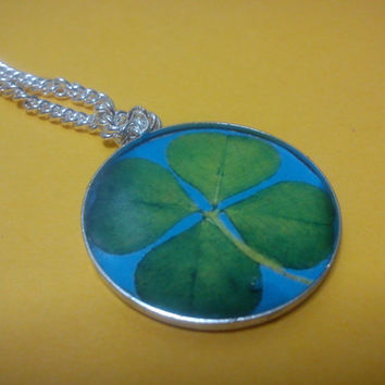 Four Leaf Clover Necklace,Charm Good Luck,fame,fortune amulet,magical powers, lucky talisman,st Patric