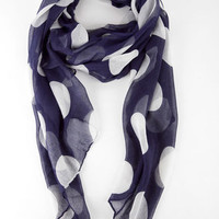 Spotty Scarf in Navy :: tobi