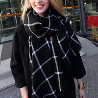 Black Ckeckered Fringed Scarf