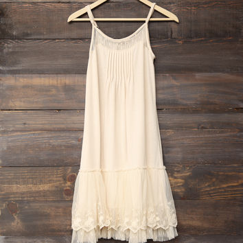 Ryu - whimsical fairytale lace dress slip - cream