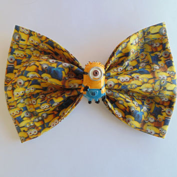Minion hair bow / Minions / despicable me / despicable me hair bow / Minion / hair bow / bow / gru and minions / minion clip