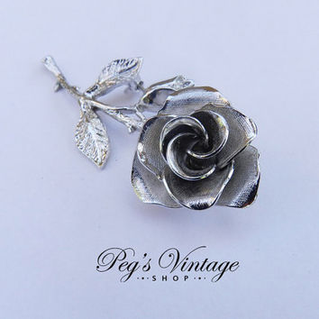 Vintage Silver Tone Single Floral Rose Brooch/Flower Rose Brooch/Pin Costume Jewelry