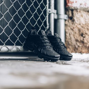DCCK Nike Air VaporMax Plus - Triple Black