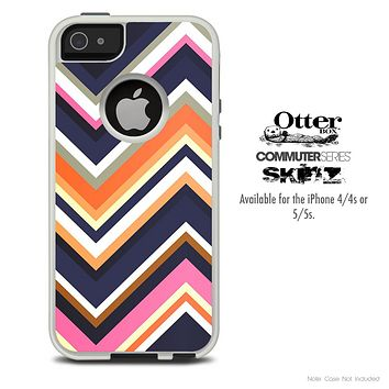 The Dark Bleu Chevron Pattern V7 Skin For The iPhone 4-4s or 5-5s Otterbox Commuter Case