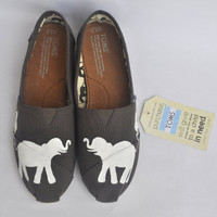Custom Hand Painted Elephant TOMS by TheIndependentSoul on Etsy