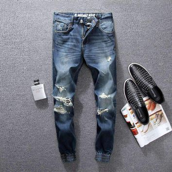 2018 Fashion High Street Men Jeans Blue Color Classical Jogger Pants Top Quality Destroyed Ripped Jeans Brand Designer Jeans Men