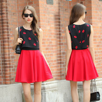 Black and Red Lip Print Sleeveless Skater Mini Dress
