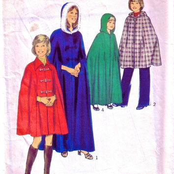 SALE - 1970s Child's or Girl's Cape Vintage Sewing Pattern / Cape in Two Lengths / Style 4879
