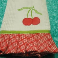 Vintage White kitchen linen tea towel with an apple design and ruffled edge for housewares, linen by MarlenesAttic