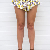 Costa Mesa Floral Ruffle Shorts- Yellow