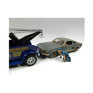 Tow Truck Driver-Operator Scott Figure For 1:24 Scale Diecast Car Models by American Diorama