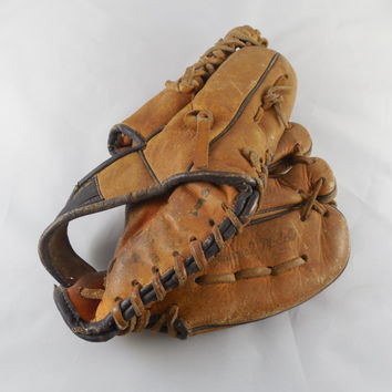 """Vintage Baseball Glove 10"""", Loved and Used Vintage Collectible Sports, Vintage Leather Baseball Glove"""