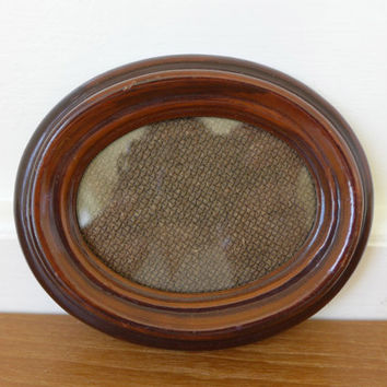 Small oval picture frame, British Registered Design