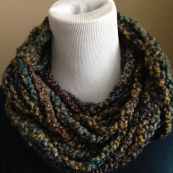 Crochet Chain Scarf, Chunky Cowl, Chunky Scarf, Wrap Around Scarf, Infinity Scarf, Womens Scarf, Fall & Winter Fashion, Free Shipping