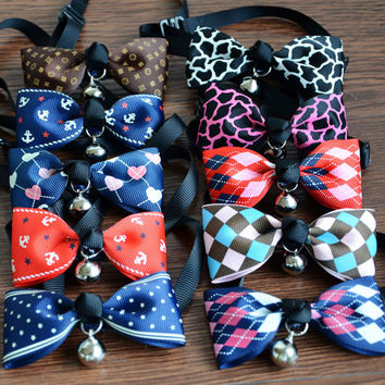 Adjustable Cute Bow Tie Cat  / Dog Collar