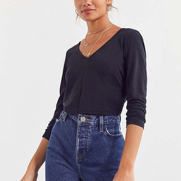 Silence + Noise Twist Back V-Neck Top | Urban Outfitters