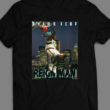 THE REIGN MAN SHAWN KEMP DUNK POSTER T-SHIRT