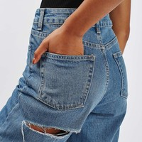 MOTO Cheeky Rip Mom Jeans - Topshop